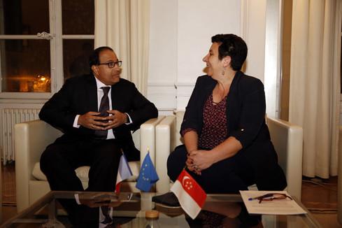 Frédérique Vidal s'entretient avec M. S. Iswaran, ministre du commerce et de l'industrie de la République de Singapour