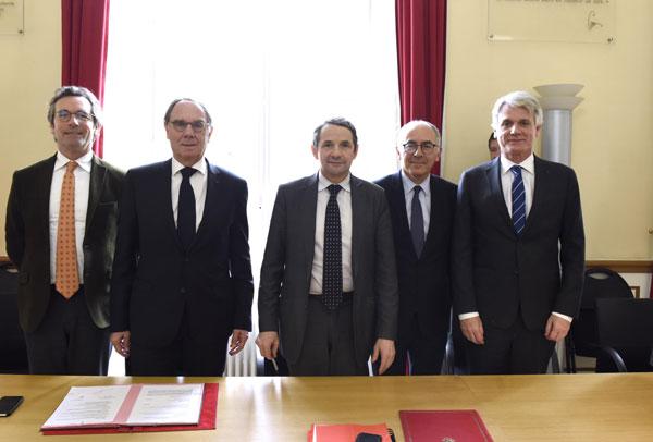Aix-Marseille, Bordeaux, Caen et Tours : Signature des protocoles d'accord afin de leur transférer leur patrimoine immobilier