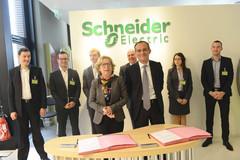 Signature d'un accord-cadre avec Schneider Electric