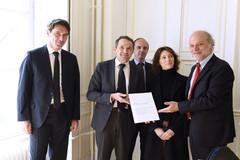 Remise du rapport de la commission Mazeaud sur les procédures bâillons