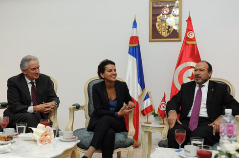 Signature d'accords de coopération entre la France et la Tunisie