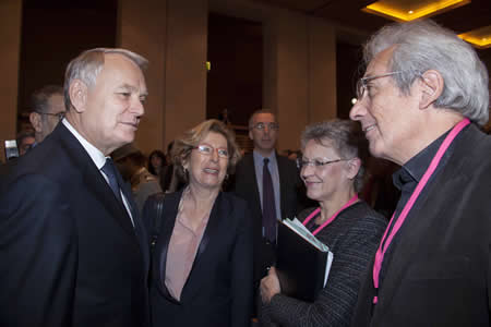 Jean-Marc Ayrault accueilli par Geneviève Fioraso