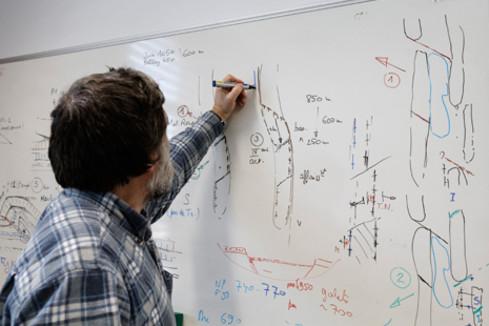 Le CNESER approuve la répartition des emplois aux établissements d'enseignement supérieurs
