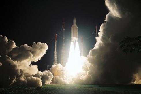 Signature des contrats relatifs au développement d'Ariane 6