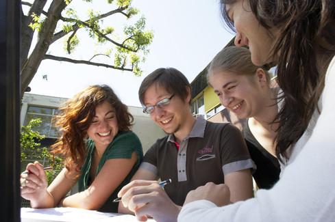 """Spécial Tchat """"Étudier à l'étranger"""" avec l'ONISEP"""