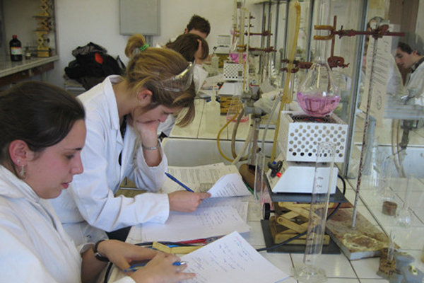 Augmentation du numerus clausus pour l'accès à la 2e année des études de médecine