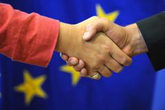 Europe - Poignée de main symbolique