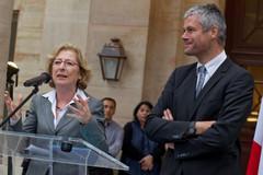 Geneviève Fioraso et Laurent Wauquiez - passation de pouvoir - 17 mai 2012