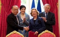 Signature d'un accord avec la Thaïlande