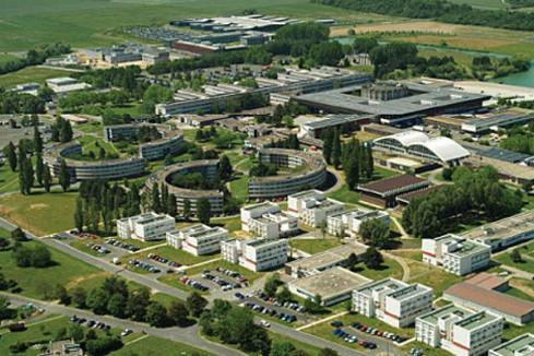 Signature du protocole d'accord pour la mise en œuvre de l'implantation d'AgroParisTech et de l'INRA sur le Campus de Saclay