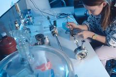 Montage d'un échantillon sur cellule de spectroscopie d'impédance