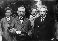 Einstein-Langevin