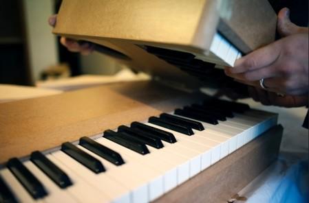 Le piano Phoenix  se replie en trois parties