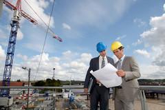 Hommes sur un chantier