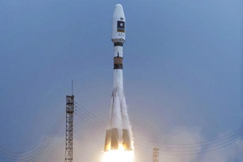 Remise du rapport sur la filière spatiale française