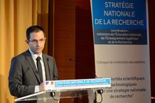 Voir la vidéo : Intervention de Benoît Hamon pour l'ouverture du colloque S.N.R.